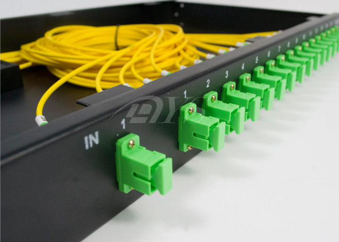 Chiny SC/APC 1*16 PLC Optical Fiber Splitter Rack Mount Box Low Excess Loss dostawca