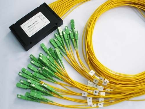 Chiny 1 x 32 Fiber Optics Splitter , SC / APC Connector Laser Splitting dostawca